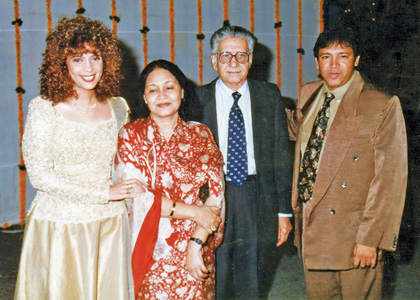 Penaz with her guru, Madhuraniji and her dad Piloo Masani copy